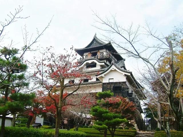 犬山観光スポットランキング①現存する日本最古の天守閣「国宝犬山城」