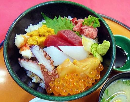 天草海鮮丼ランキング⑧昔から地域に愛されてきた老舗のお店「いけす料理 ふくずみ」
