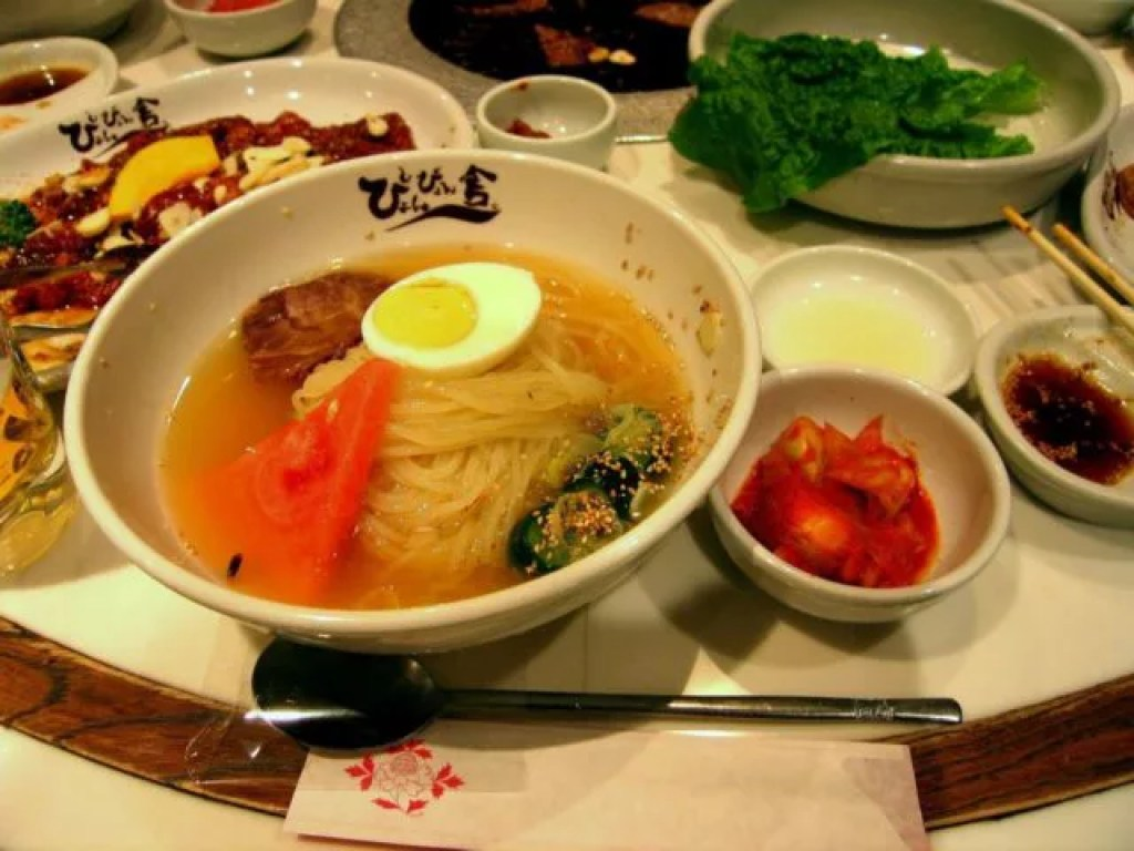 「ぴょんぴょん舎」の盛岡冷麺