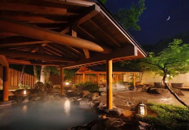 山形県日帰り温泉ランキング①日本で二番目の強さを誇る強酸性の温泉、湯の花茶屋新左衛門の湯(蔵王温泉)