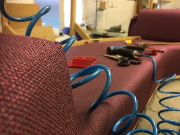 Retro sofa button arms