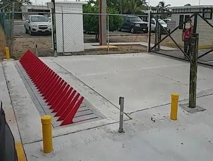 defender-hydraulic-parking-tyre-killer