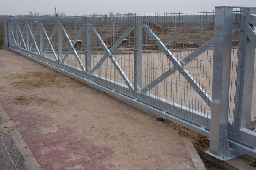 slider-xxl-sliding-gate-storage-entrance
