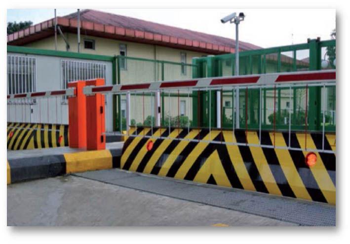 titan-road-blocker-wide-entrance