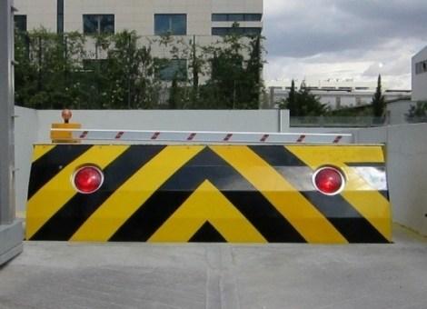 Blkada zapora drogowa bariera antyterrorystyczna