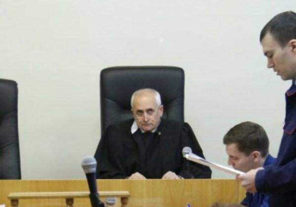 Омского судью Москаленко, несмотря на его смерть, не стали ...