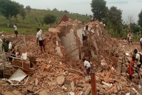 BUKAVU/MBOBERO : Une trentaine de familles  acceptent l'aide de la famille Kabila pour évacuer sa concession.