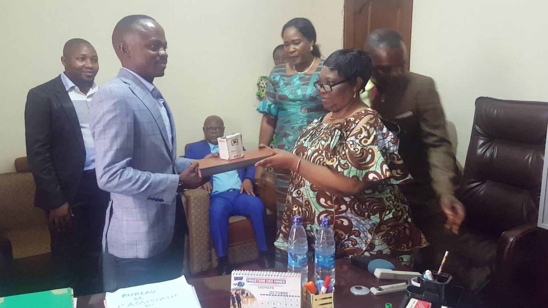 Sud-Kivu : Augmenter le nombres de Zones d'exploitation artisanale des minerais, combattre la fraude de déclaration minière; parmi les objectifs  de Théophile BASOSHI le nouveau directeur provincial de SAEMAPE.