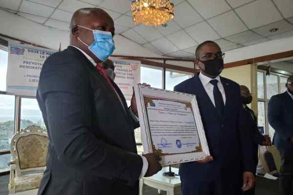 Journée de travail 2021 à Bukavu : Pour avoir revu à la baisse les frais de soins médicaux; la clinique saint – Luc primé par l'état congolais.