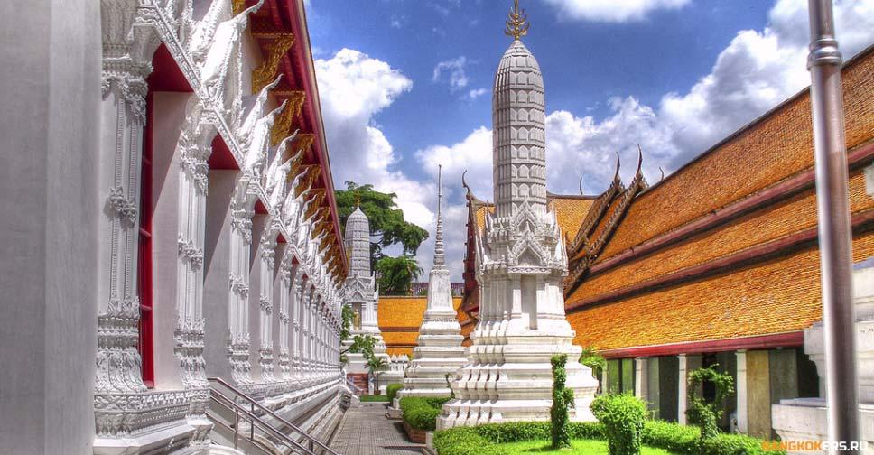 Храм Махатхат