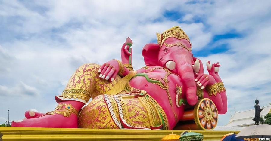 Храм розового Ганеши — Wat Saman Rattanaram
