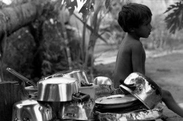 _91-Brasilien-Töpfe-Junge