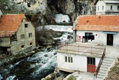 037010-Mostar