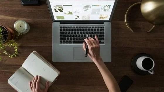 bcd female solopreneur working