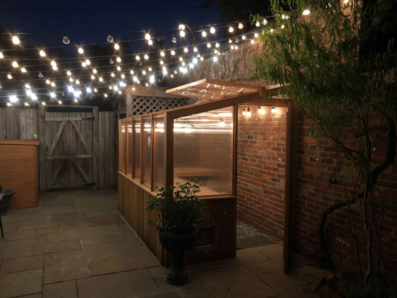 Greenhouse string lights