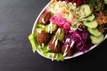 09072018_GourmetFood_SaladPlate_Image1