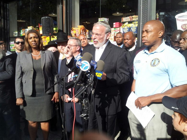 Assemblymember Dov Hikind speaks at press conference in Crown Heights to address  religiously motivated assaults on Brooklyn residents.