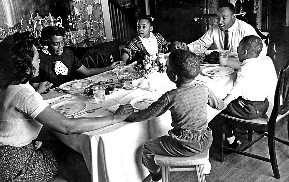 martin-luther-king-jr-family_1419095240
