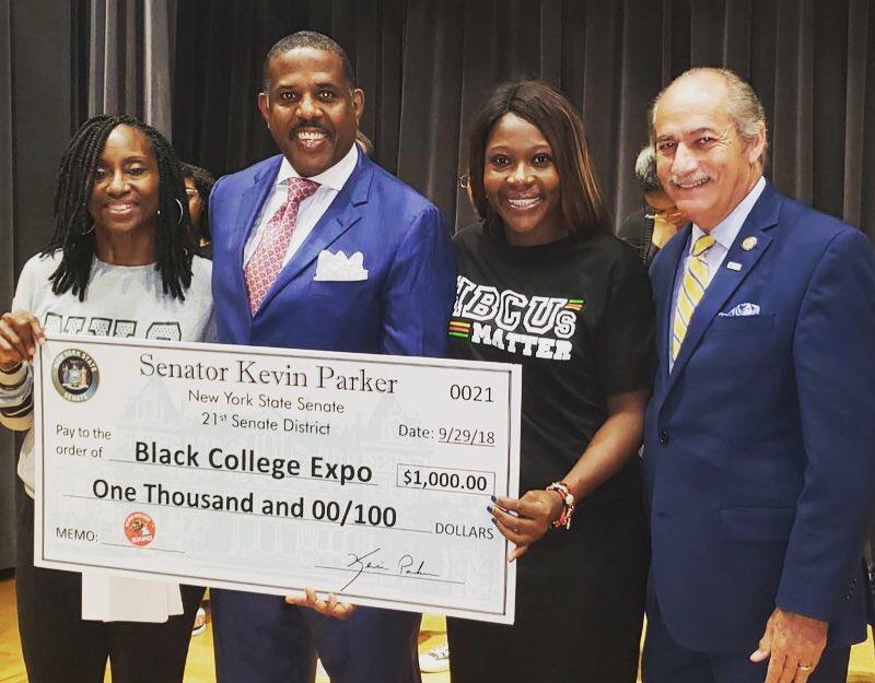 Senator Parker was joined by hundreds of students for the third annual Black College Expo.