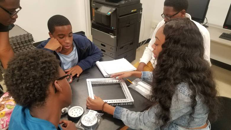 The Brooklyn STEAM Center will provide 300 students from eight local high schools with hands-on training in culinary arts, computer science, design and engineering