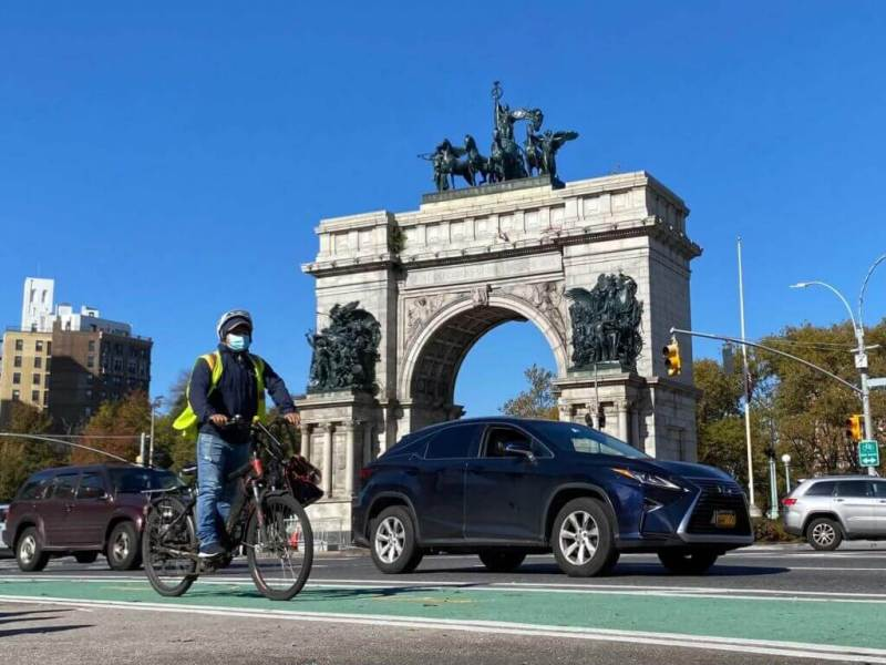 Long-in-the-Works Bike Lanes Open, Connecting Brooklyn Via 4th Avenue and Flatbush