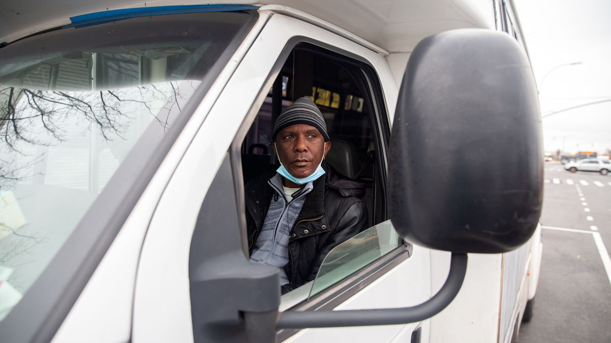 Idling Dollar-Van Drivers Hoping for Light at End of Pandemic Tunnel
