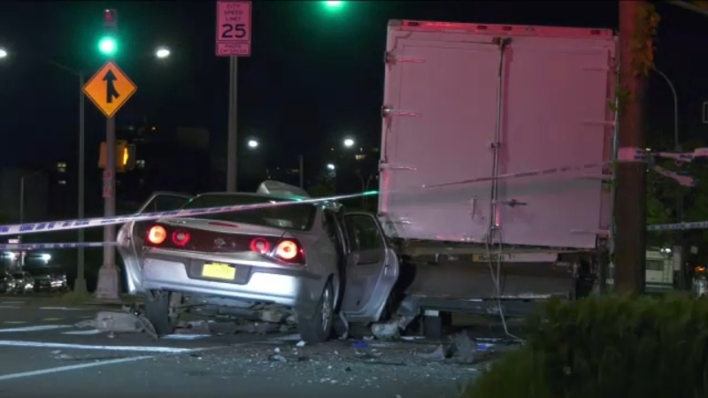 3 teens hospitalized after stolen car hits NYPD vehicle, crashes into truck in Brooklyn