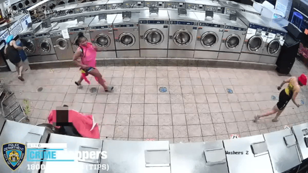 Laundromat employee punched, hit in head with vase in Brooklyn