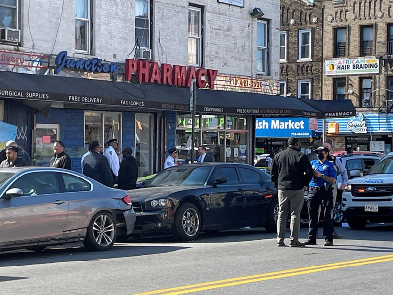 4 shot when gunfire rings out on crowded Brooklyn street