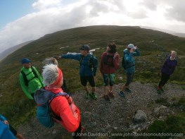 Ian Stewart of Trail Running Scotland offers some advice to the group.