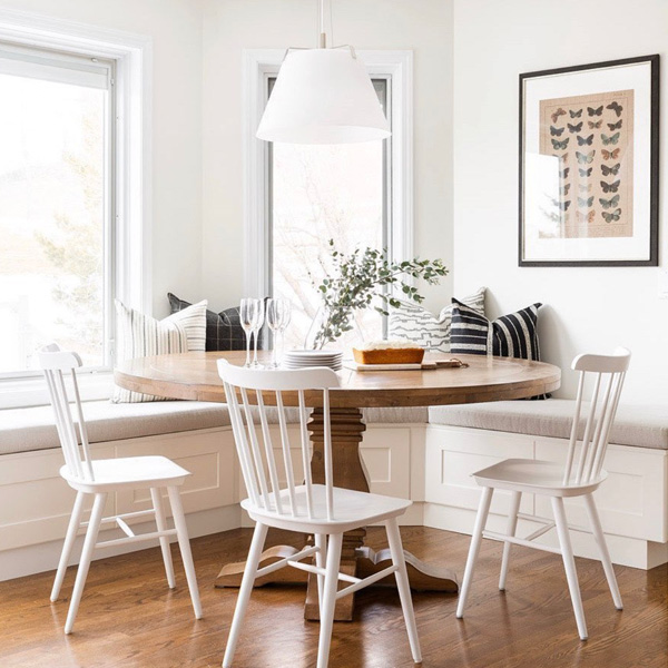 CLASSIC DINING BANQUETTE BY NEELAM INTERIORS // PHOTO: KLASSEN PHOTOGRAPHY