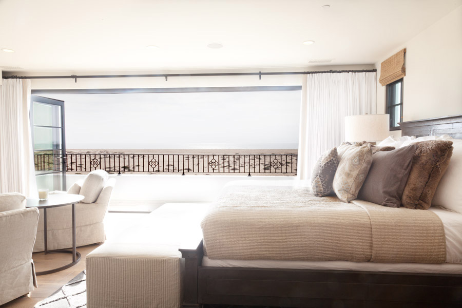 newport-beach-beach front-master-bedroom