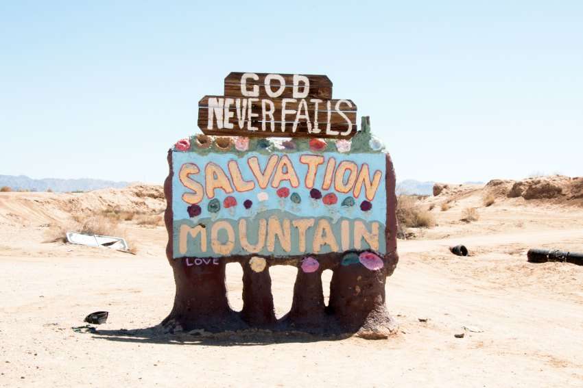 weekend-roadtrip-salvation-mountain-1