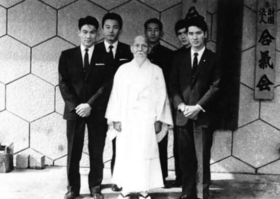 Sensei con sus estudiantes