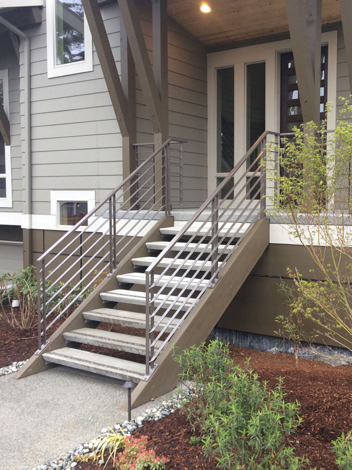 Horizontal Railings For Two Modern Homes Seattle Wa