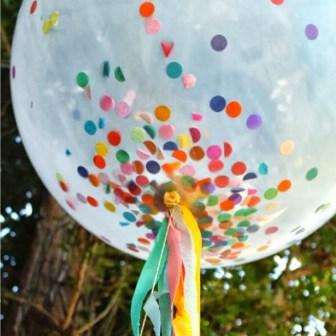 Ballon-transparent-avec-confettis