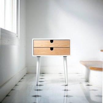 Table de chevet - Bedside table, 355€