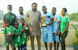 Vice Chairman of the local council Hon. Seyi Jakande also joining to felicitate with the victorious Ghetto ballers
