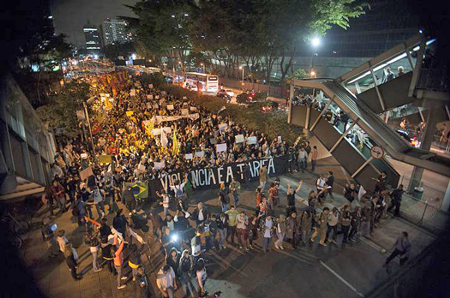 In São Paulo, 70,000 took to the streets