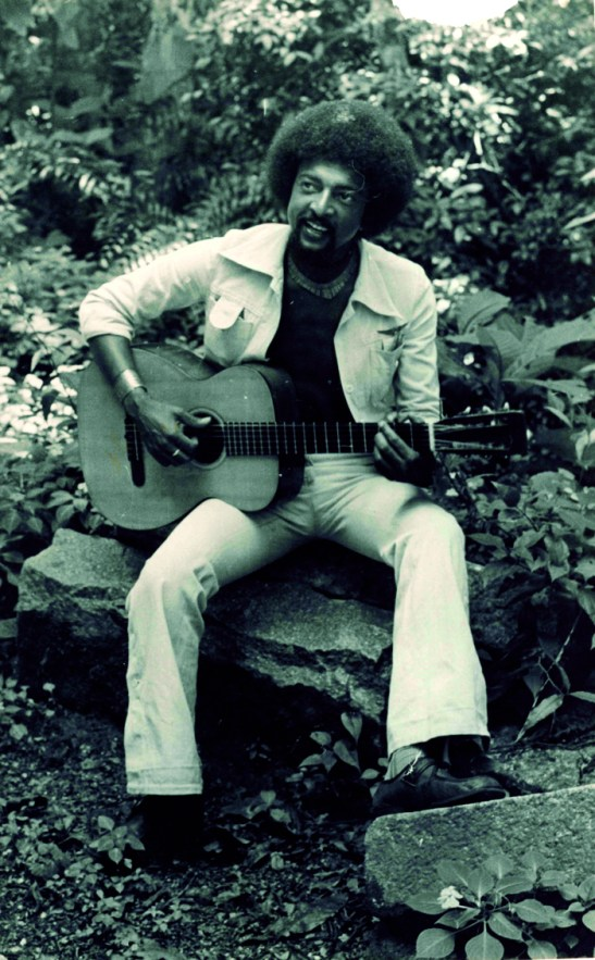 Singer/songwriter Lápis is featured in the exposition about blacks in Paraná