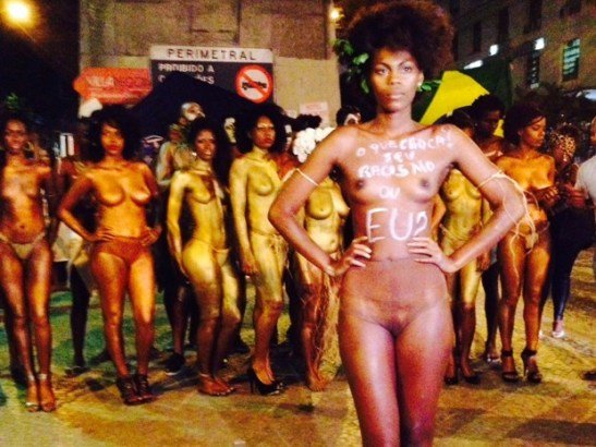During the act, women removed their clothes and stood only in flesh colored panties (Photo by Giovana Sanchez of G1)