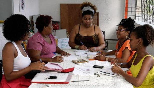 Valdecir Nascimento met on Saturday with her partners to organize the march