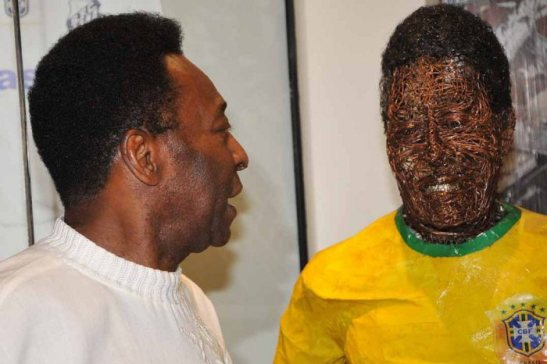 Pelé diz que racismo deve ser ignorado