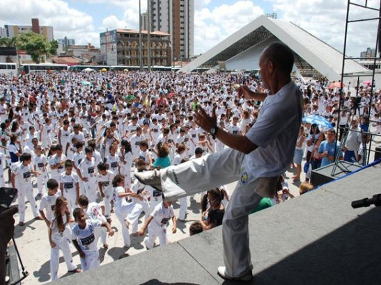 The event set a record for largest capoeira circle in Brazil's history
