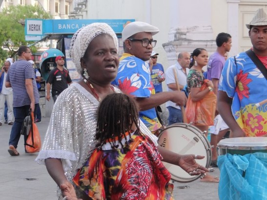 Mãe Vera (in white) says that the date is important for the Movimento Negro of the Alagoas