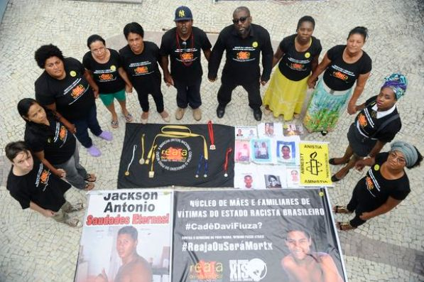 Mothers and fathers denounce at Amnesty International a series of crimes of murder, kidnapping and disappearances of black youth in Salvador and other cities in the state of Bahia