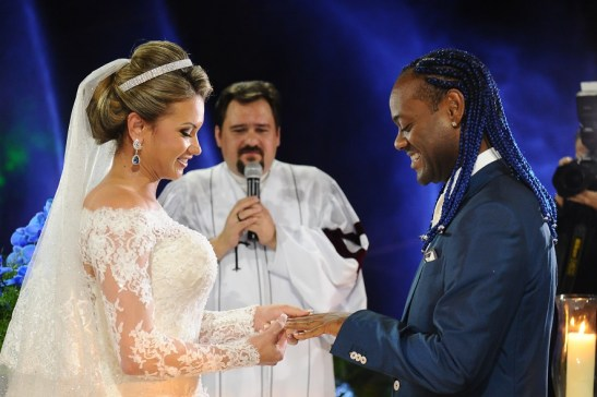 Vagner Love and his love at their wedding.