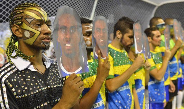 racismo no futebol 640x427