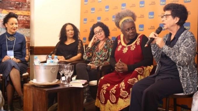 autora critica falta de negros na flip