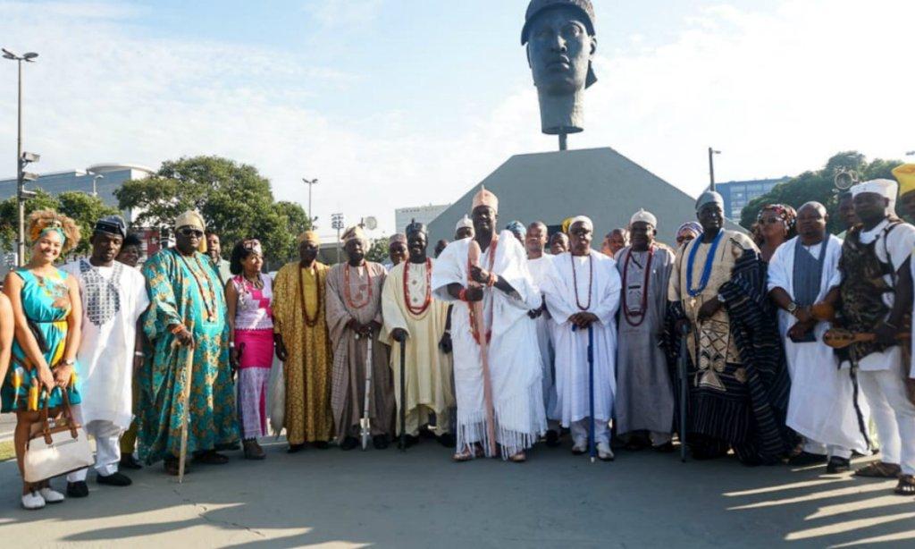 Coleção com peças milenares chega ao país após revelação de segredo sobre monumento a Zumbi dos Palmares